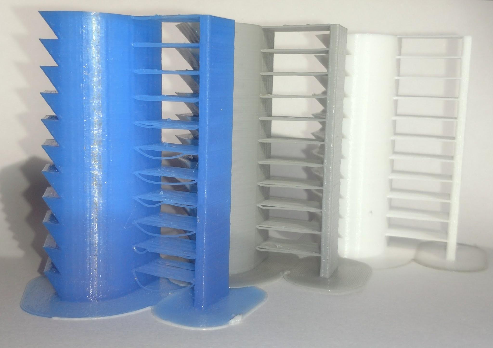 Bild eines Heat-Towers, an dem man erkennen kann, bei welcher Temperatur die beste Verabeitungseigenschaft hat.